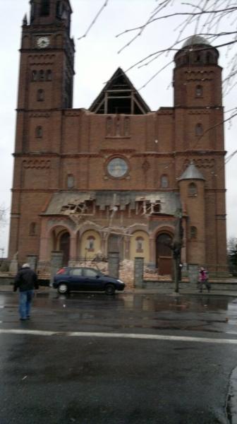 W Lututowie runął fragment zabytkowego kościoła (Kontakt 24/Mariusz)