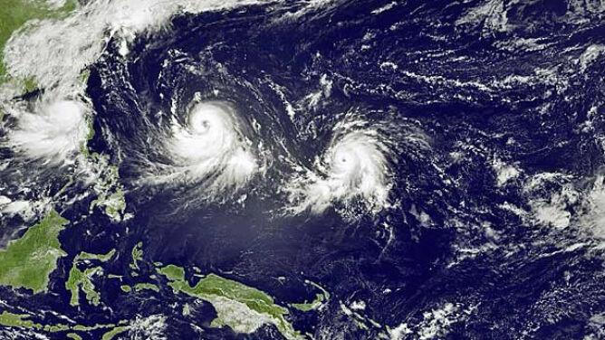 Pierwszy raz od 20 lat. Trzy tajfuny <br />suną po zachodnim Pacyfiku