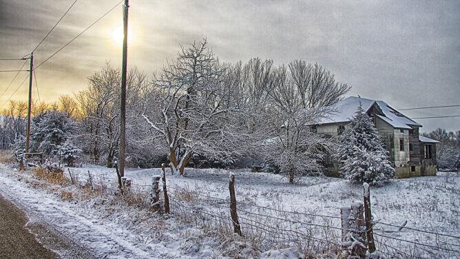 Prognoza pogody na dziś: w kilku regionach śnieg. Poza tym rozpogodzenia
