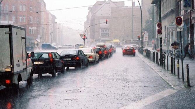 Intensywny deszcz utrudni jazdę