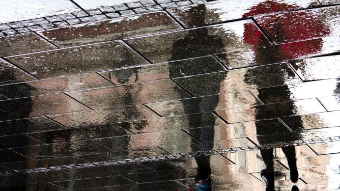 Pogoda na 5 dni: fale deszczu i śniegu, a na dodatek bardzo silne porywy wiatru